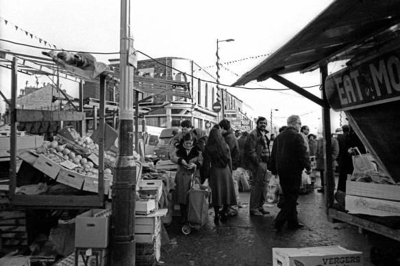 Ridley Road market, 1982. © Alan Denney